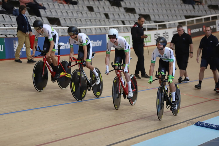 Graeme Frislie: Far right, pushing off at the start of the Team Pursuit